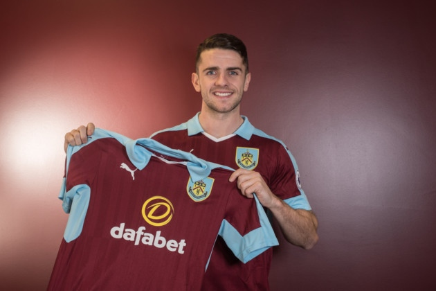 Robbie Brady completes a club record deal at Burnley