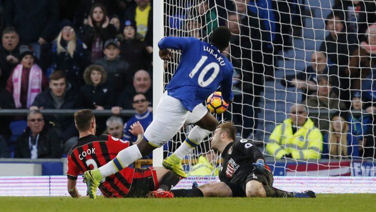 Romelu Lukaku scoring 1 of his 4 goals against Bournemouth in the Premker League