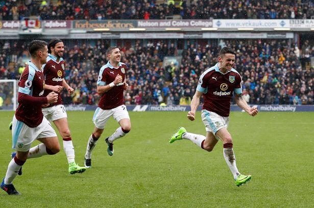 Robbie Brady scores a super equaliser for Burnley against Chelsea