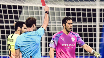 Claudio Bravo red card Atalanta