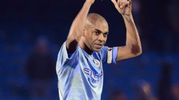 fernandinho manchester city premier league