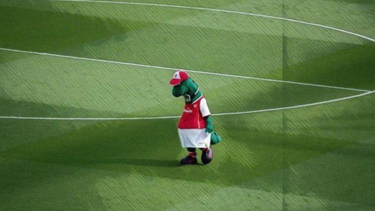 tweets premier league gunnersaurus cavani ppv controversy