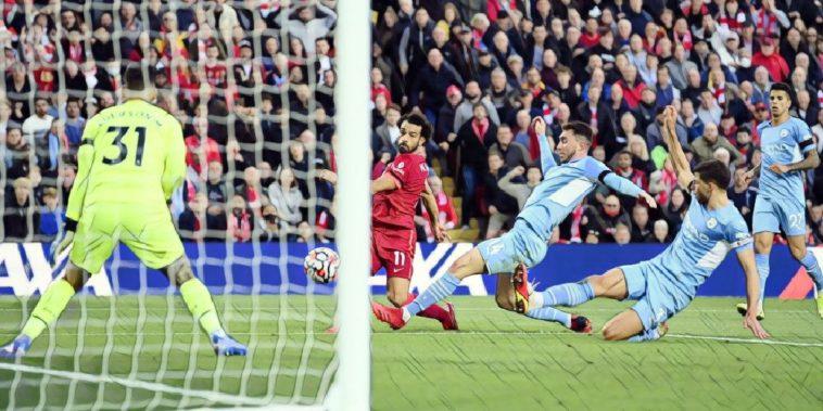 salah scores a sensational goal for Liverpool against Manchester City